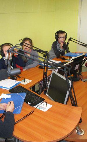 Des journalistes en herbe visitent l'EPJT
